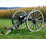 Color photo of a Civil War canon on the Antietam National Battlefield.