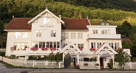 Color photo of Utne Hotel founded 1722 in Utne Norway taken 2018 by Mr Ernst