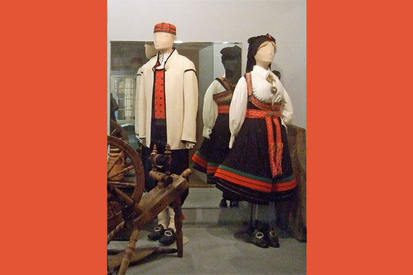 <strong><em>Bunads</em> - rural Norwegian folk costumes.</strong> These examples are from Sogn & Fjordane county in Norway. (Vesterheim Norwegian-American Museum. Photo by author.)