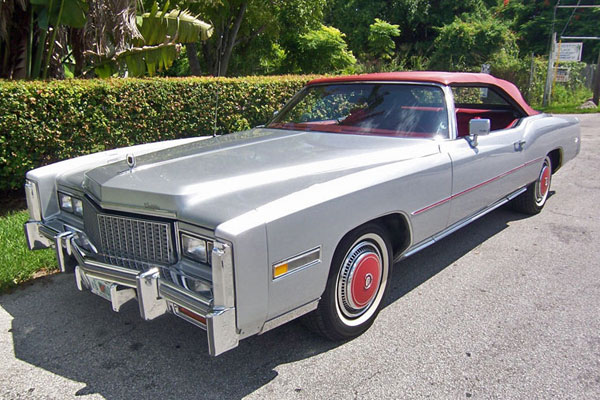 Chloe's intern, Nika Austin, is engaged to marry Joel Carlisle, who drives a silver 1975 Cadillac Eldorado like this one. The Chicago Bears sticker on the back of his car does not endear him local Packer fans. (Photographer unknown.)